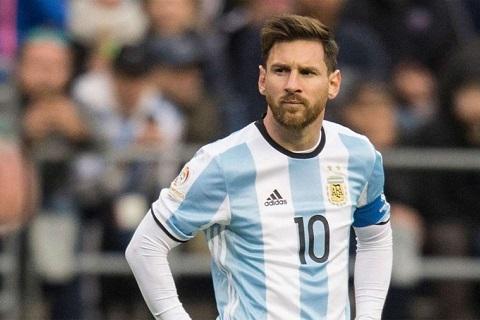 Maradona gay soc Messi khong can gianh World Cup hinh anh