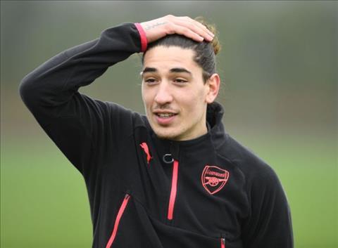 Chuyen nhuong Premier League Arsenal ban Bellerin cho MU hinh anh