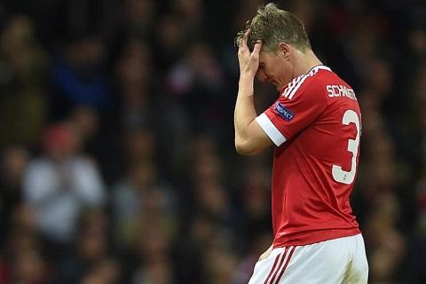 Schweinsteiger là nạn nhân đầu tiên của HLV Jose Mourinho