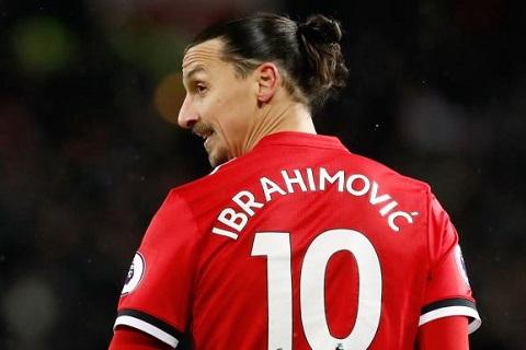 Chiếc áo số 10 của M.U đang bị bỏ trống sau khi tiền đạo Zlatan Ibrahimovic ra đi