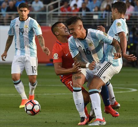 Hau ve Rojo vang tuc khi duoc Mourinho thong bao Sanchez toi MU hinh anh