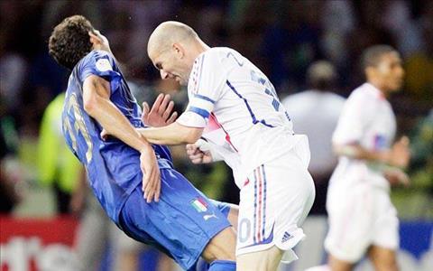 Zidane va scandal thiet dau cong huyen thoai tai World Cup 2006  hinh anh