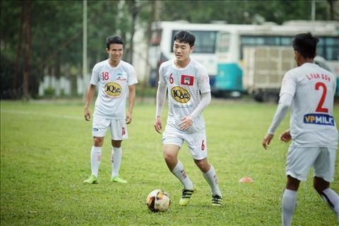 Xuan Truong hoi hop cho ngay tai xuat o V-League hinh anh