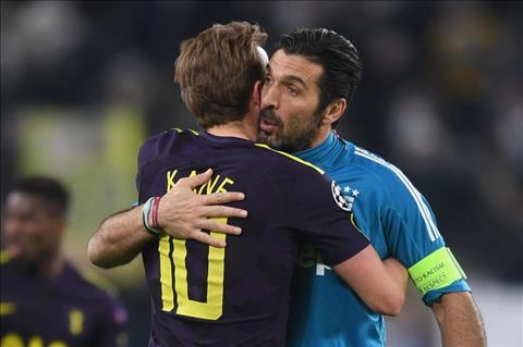 Buffon so sanh tien dao Harry Kane voi Batistuta hinh anh 2