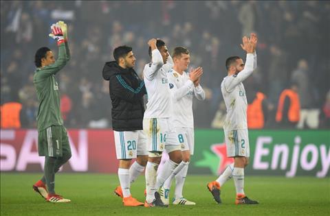 Ramos chi ra nhan to then chot giup Real vuot qua PSG hinh anh