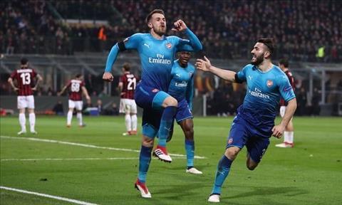 Chelsea nham sao Arsenal de gia co tuyen giua hinh anh