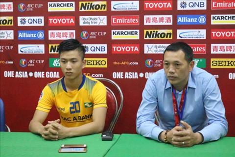 Guc nga truoc Thanh Hoa, HLV SLNA do loi cho ong Park Hang Seo hinh anh