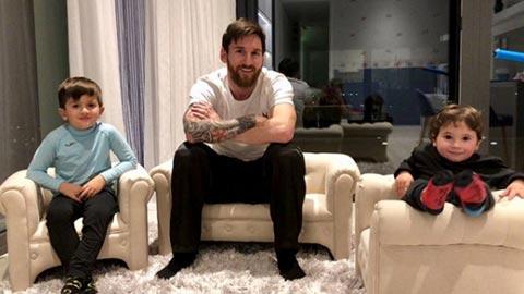 Ronaldo vs Messi thuoc nhom ngoi sao bong da khong thich xem hinh anh
