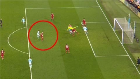 Tranh cai Man City 1-2 Liverpool Leroy Sane da viet vi hay chua hinh anh