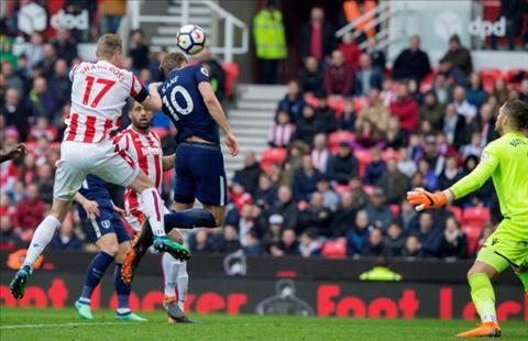 Kane bi Salah mia mai vi duoc uu ai Vua pha luoi Premier League hinh anh