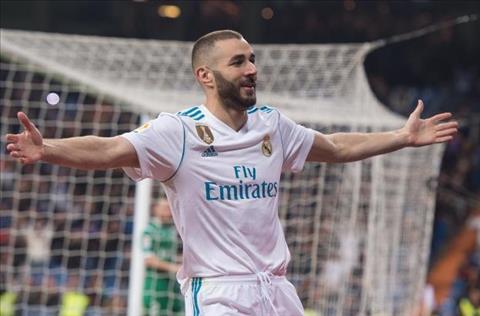 PSG mua tien dao Karim Benzema cua Real hinh anh