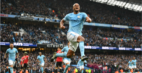 Vincent Kompany phat bieu ve Man City