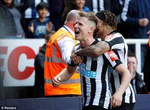 Video Newcastle vs Arsenal 2-1 clip ban thang ket qua NHA 15-4 hinh anh