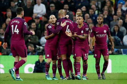 Man City co 2 ban dan truoc Tottenham