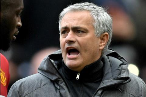 HLV Jose Mourinho bay to su bat cong vi bi truyen thong nguoc dai hinh anh