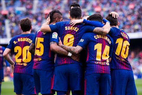 Barcelona thang Valencia 2-1