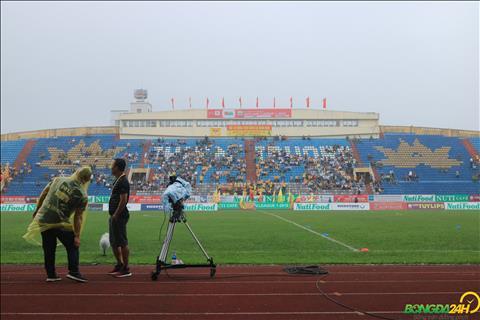 Nam Dinh FC dang dung truoc bai toan keo khan gia den san tro lai.