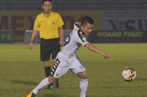 HLV Ha Noi noi ve viec de Quang Hai du bi o vong 4 V-League hinh anh