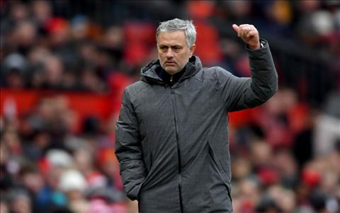 Mourinho cam kết tương lai với Man United