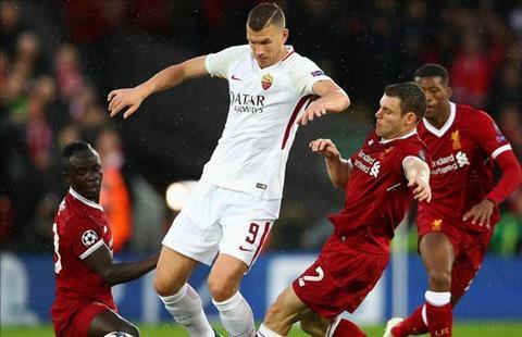 Liverpool vs Roma Milner di bong