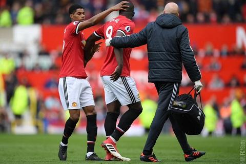 Lukaku chan thuong nang sau tran thang Arsenal hinh anh