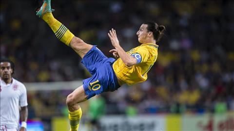 Diem tin toi 44 Cuu sao MU thach Ronaldo tao sieu pham  hinh anh