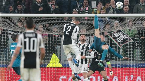 Ronaldo lập siêu phẩm trong trận thắng Juventus