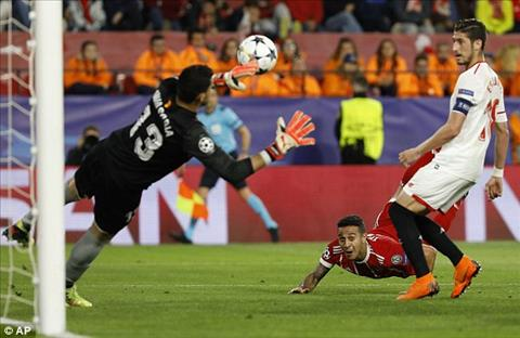 Thiago choi an tuong o tran dau Sevilla vs Bayern Munich