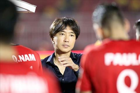 HLV Toshiya Miura cho rang chan thuong cua Phi Son gian tiep khien CLB TP.HCM thua SLNA.