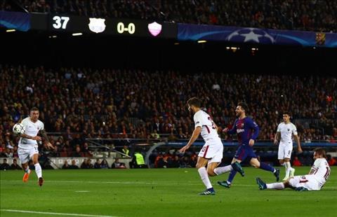 HLV Valverde phat bieu sau tran Barca 4-1 Roma hinh anh