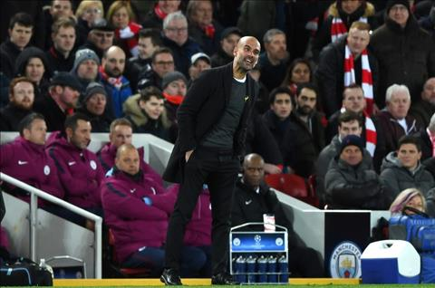 Pep Guardiola phat bieu ve tran derby Manchester hinh anh