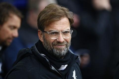 Klopp khong qua coi trong tran dau Everton vs Liverpool