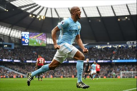 Kompany Man City vs MU