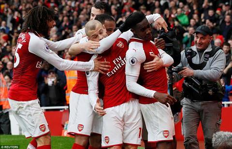 Doanh thu cua Arsenal hua hen tang manh neu bo Puma theo Adidas hinh anh