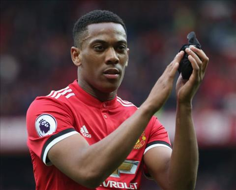 Mourinho dung cach nay de ngan can Anthony Martial roi MU hinh anh