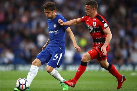 Chelsea vs Huddersfield Fabregas tranh bong