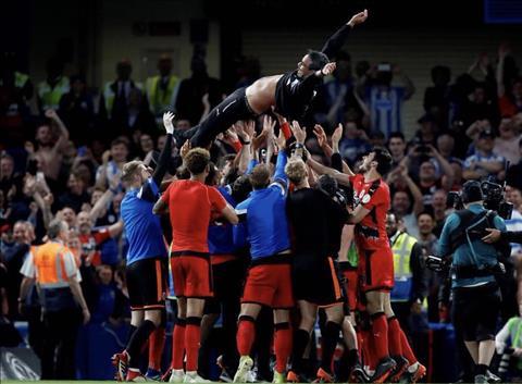 Thong diep tu Huddersfield Hay cu tin di va dung bao ngo ngung! hinh anh 4