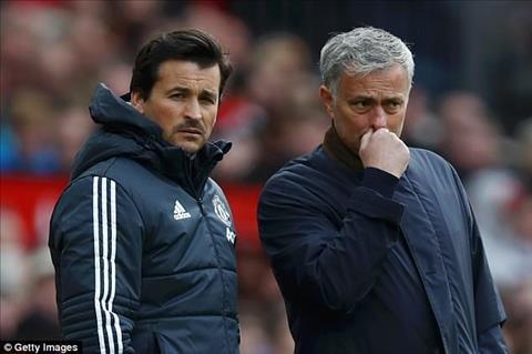 Rui Faria chia tay Mourinho de tim kiem mot cong viec moi day thach thuc.