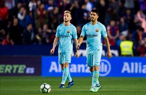 Levante thang Barca 5-4
