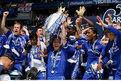 2005-06 la mua giai duy nhat Chelsea bao ve thanh cong ngoi vo dich Premier League de thuc su thong tri bong da Anh