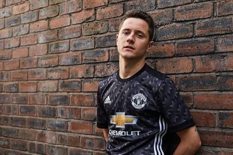Herrera cam kết tương lai với Man United hình ảnh