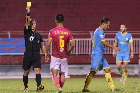Trọng tài tiếp tục là chủ đề nóng ở vòng 8 V-League hình ảnh
