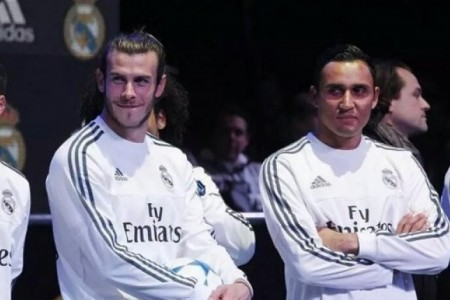 Real dung Gareth Bale va Keylor Navas cau Salah