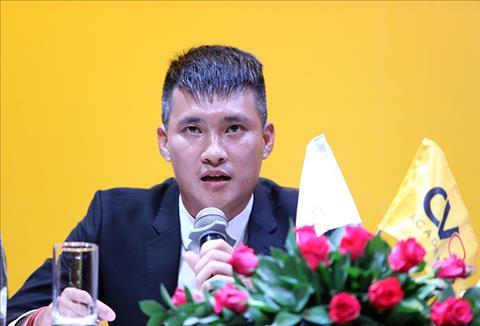 Cong Vinh mo hoc vien CV9 de chap canh cho nhung tai nang tre cua bong da Viet Nam.