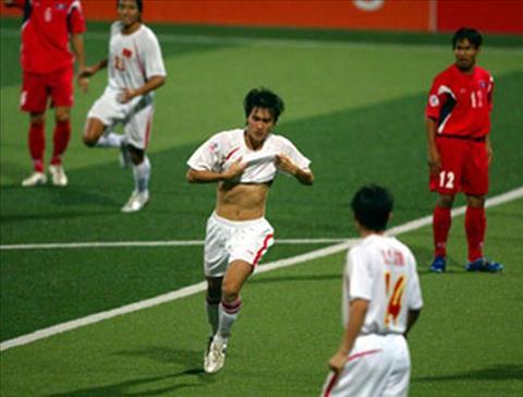 Tran thang Lao voi ti so 9-0 giup DT Viet Nam vuot qua vong bang tai AFF Cup 2007.