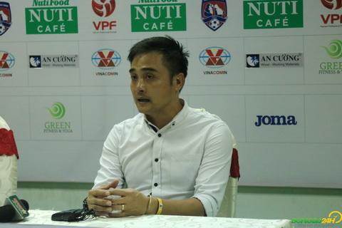 HLV Nguyen Duc Thang ly giai ve nhung quyet dinh la tran dau giua Quang Ninh vs Thanh Hoa.