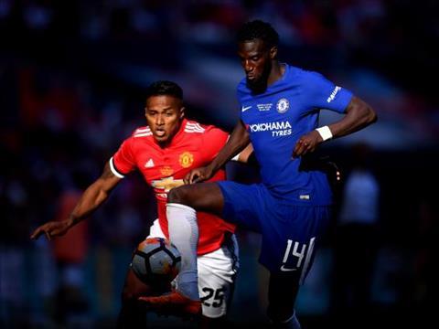 Tiemoue Bakayoko trong tran Chelsea 1-0 MU chung ket FA Cup 2017/18