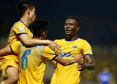 Tong hop: Quang Ninh 1-3 Thanh Hoa (Vong 8 V-League 2018)