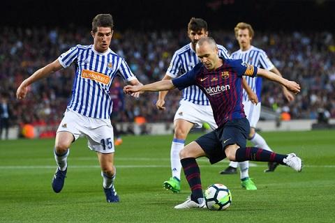 Những khoảnh khắc cuối cùng trong ngày Iniesta chia tay Barca ảnh 5
