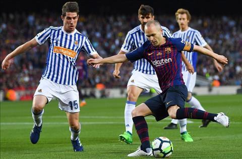 Barcelona vs Real Sociedad Iniesta di bong